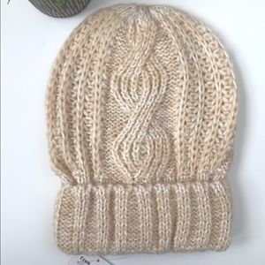 FREE PEOPLE Knit Cable Beanie